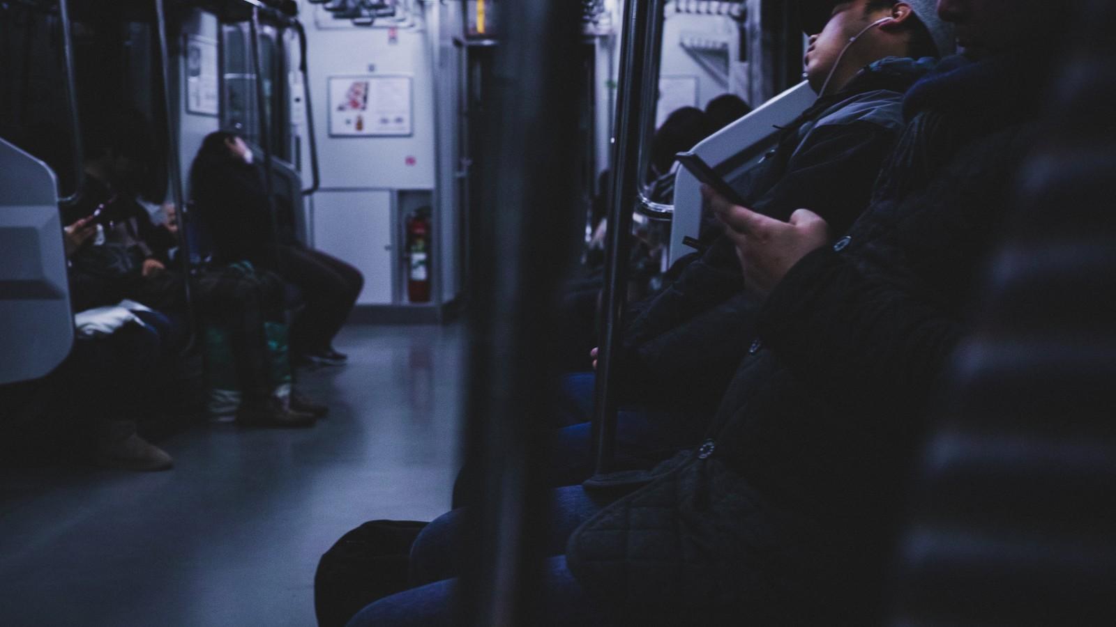 終電で帰る