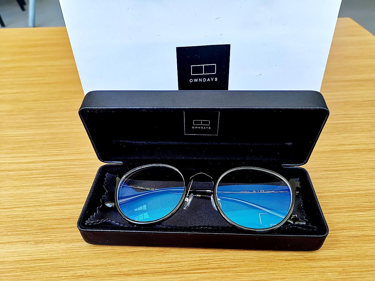 セブ島のオンデーズのメガネの写真