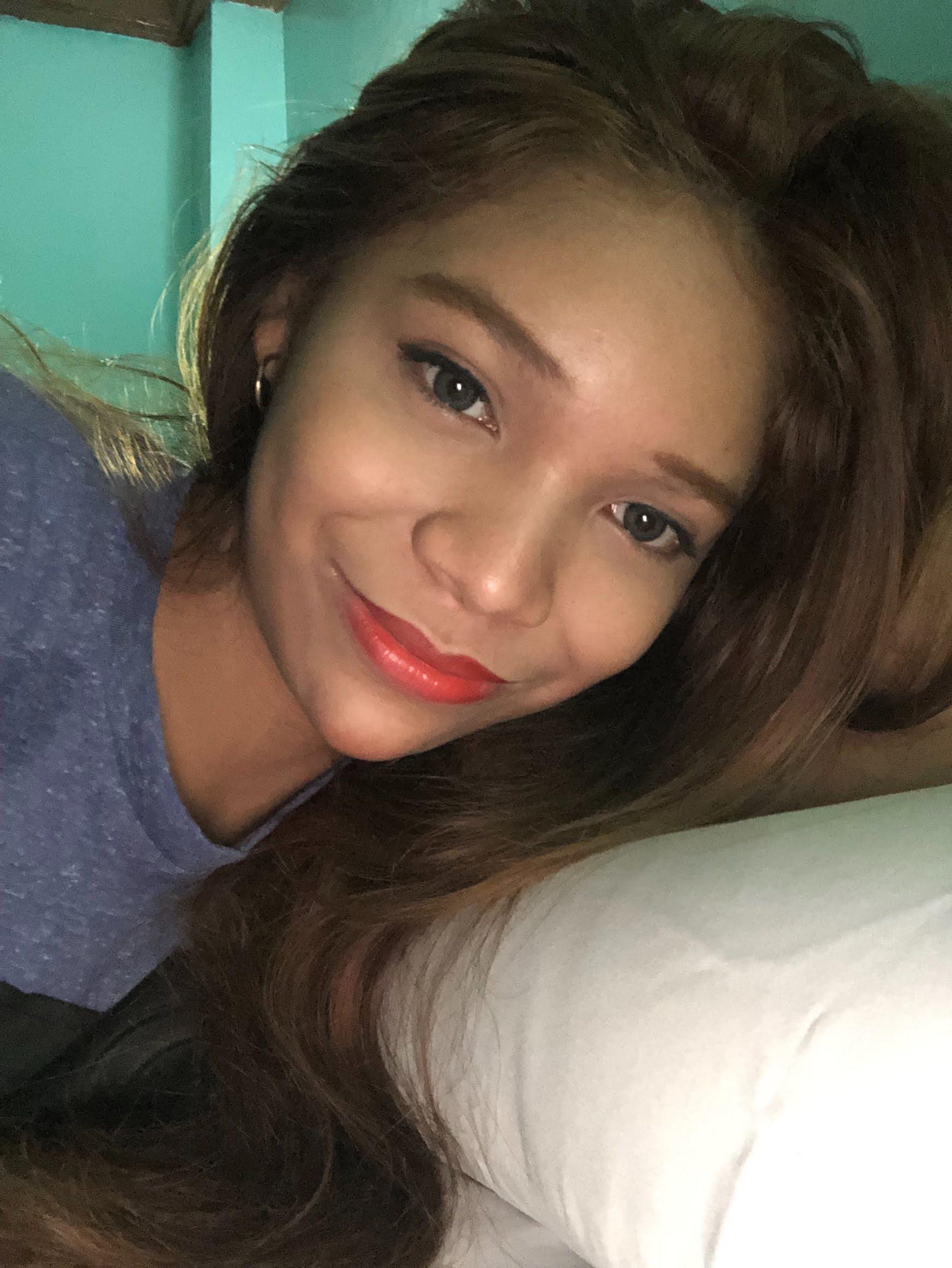 フィリピン女性